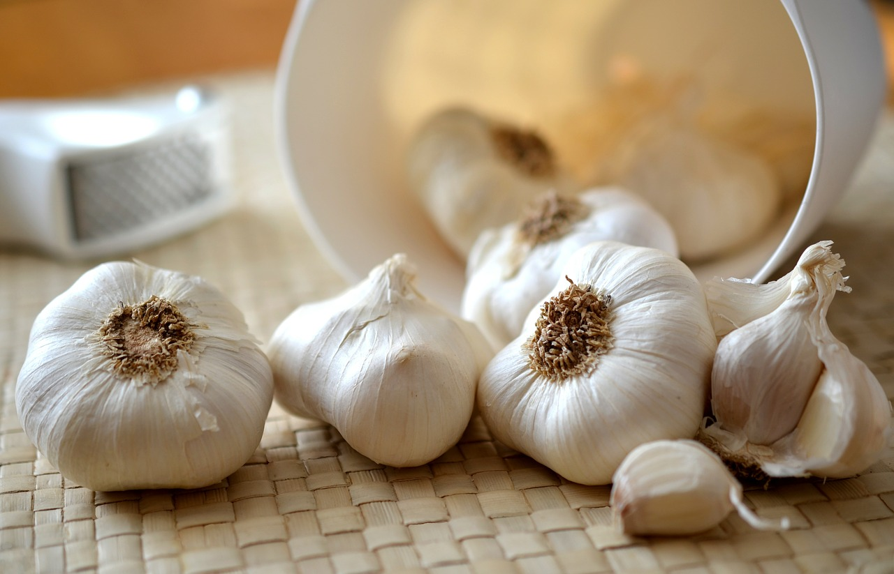 Put a Clove of Garlic Under Your Pillow – What Happens Next Will Amaze You